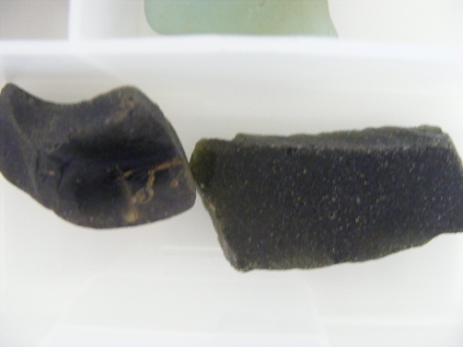 Old dark - black green glass