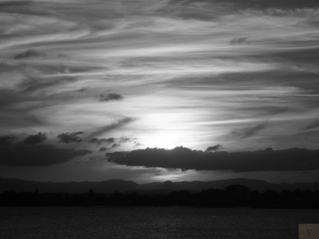 Streaky Cloud Black and White